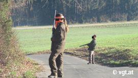 JägerInnen mit Waffe